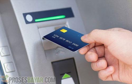 Cara Memasukkan Kartu ATM