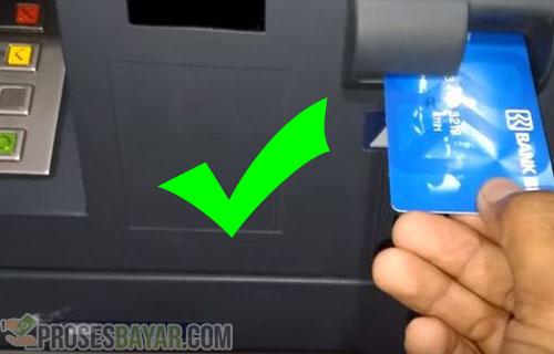 Posisi Memasukkan Kartu ATM yang Benar