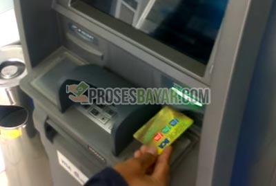 1 Masukan Kartu ATM BCA 1